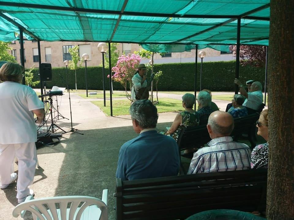 Concierto en AFA: Asociación de Familiares de Enfermos de Alzheimer (22-07-2017)